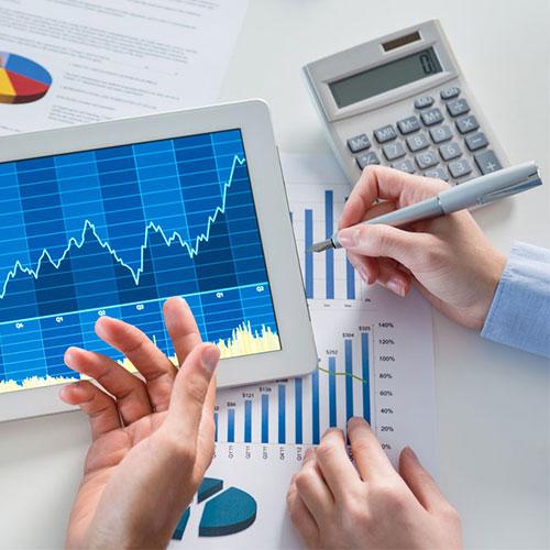 Ábrázolás grafikonnal a bérügyintéző tanfolyam során