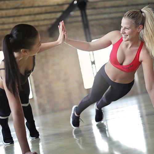 Közös edzés jókedvűen - fitness instruktor képzés