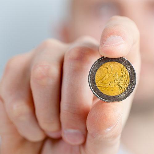 Pénzügyi-számviteli ügyintéző tanfolyam 2 eurós érme