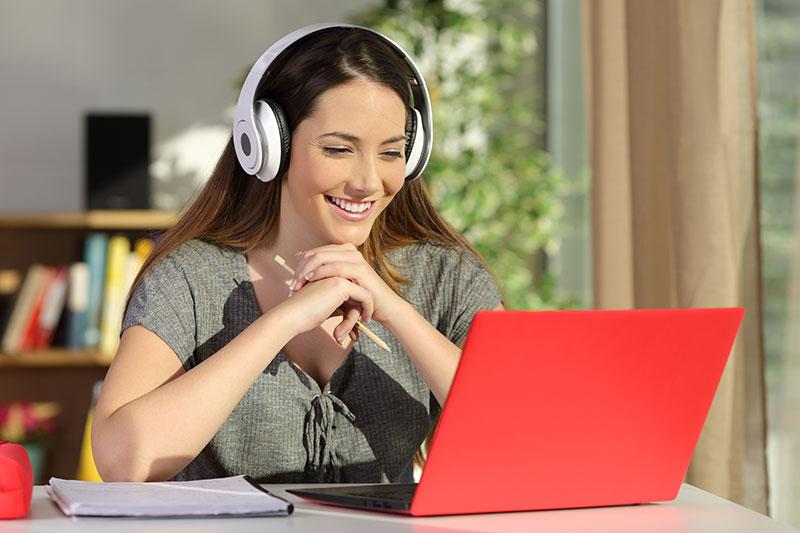 Online tréningek, internetes oktatás