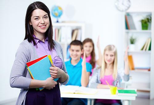 Pedagógóiai asszisztens munka közben