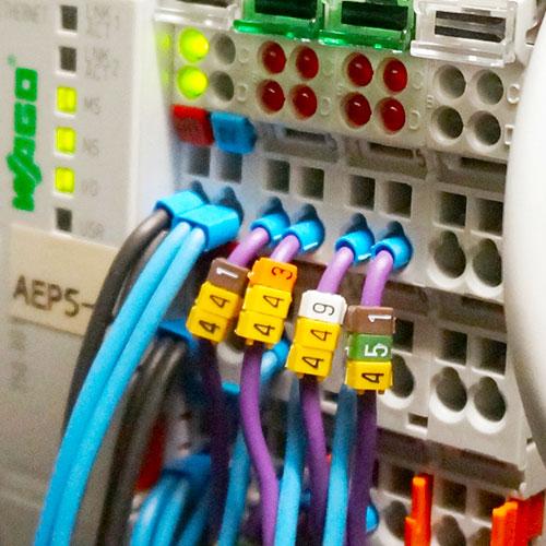Plc programozó gép inputok és outputok